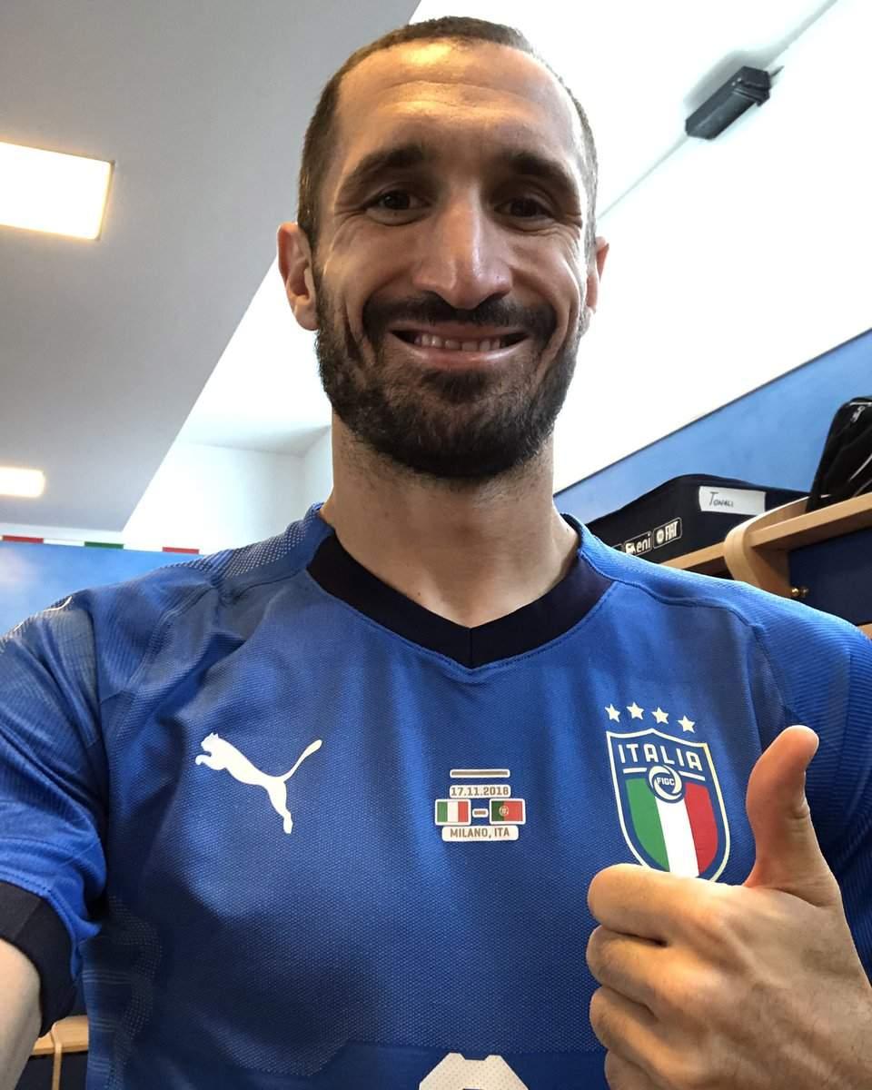 """Serie A, Giorgio Chiellini a """"gamba tesa"""" su Balotelli e Felipe Melo"""