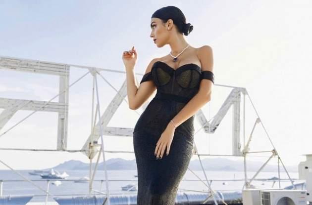 Gossip: Georgina incanta tutti a Cannes