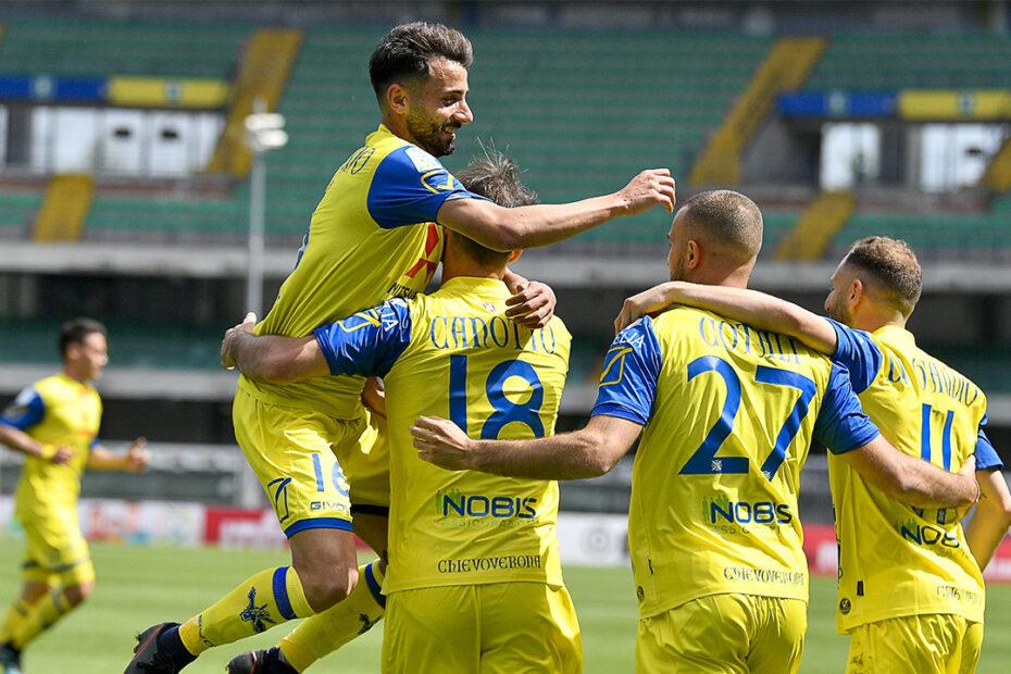 Il Chievo festeggia l'accesso ai play-off